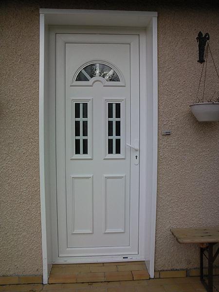 Porte d entr e pvc pose porte d entr e pvc installation for Installation porte d entree