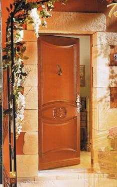 Porte d entr e bois installation porte d entr e bois pose for Pose d une porte d entree en bois